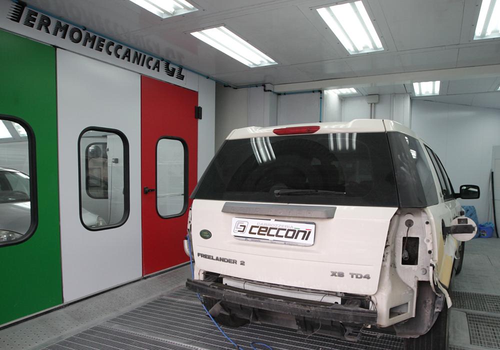 Carrozzeria-Cecconi-riparazione-auto-danneggiata